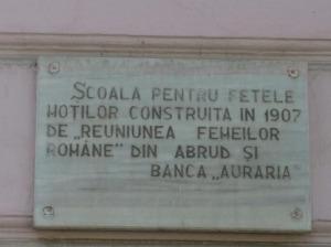 Placa memoriala scoala fetelor motilor Abrud